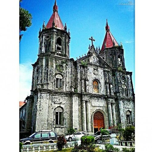 Constructed in 1831, the St. Anne Parish Church, also known as the Molo Church, is the only Gothic church in the Philippines outside of Manila. The church is made of white corral rock and is considered as one of the most attractive churches in the Philippines. Original Snapshot, Jan. 2013 MoloChurch IloiloCity 9pmhabit One_Four_Travel Igersmanila Igersphilippines Igerspinoy Choosephilippines Ktgvr Travel Wheniniloilo GrammerPH Architechtures History MPPh Pinoytravel Snapshot CreateShareInspire IGDaily