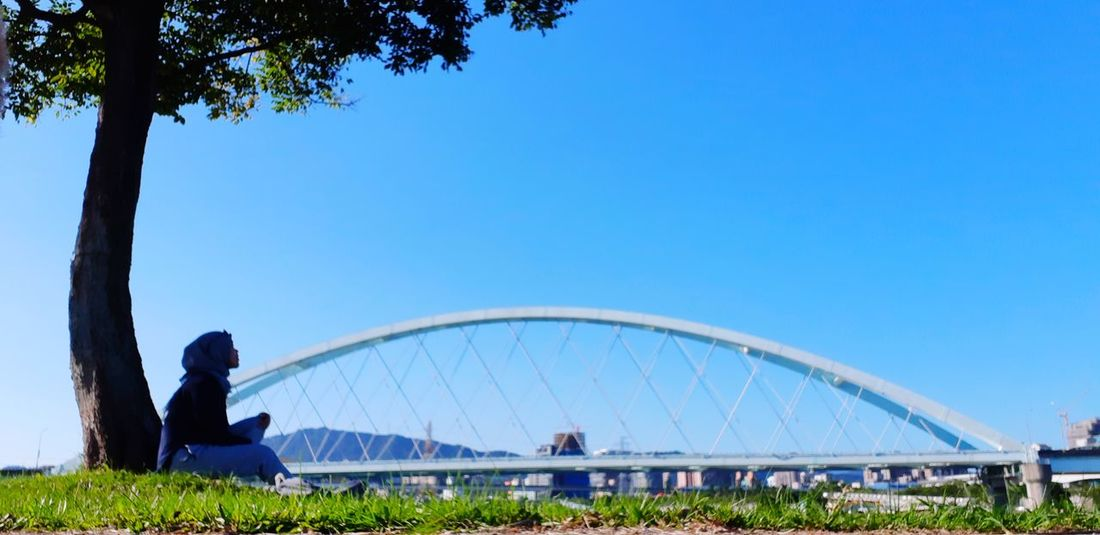 Blue Sky Grass Riversidepark Riverside Taipei Taiwan Outdoors Greenpark The Power Of Love Songshan Sitting Bridge Relaxing Refreshing :) A New Perspective On Life Tree City Clear Sky Golf Club Blue Flower Full Length Sky Amusement Park Ride Hiker Sunbathing Amusement Park Ride