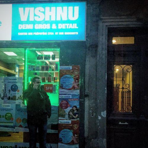 Light Paris Streetphotography Vishnu Buddhism