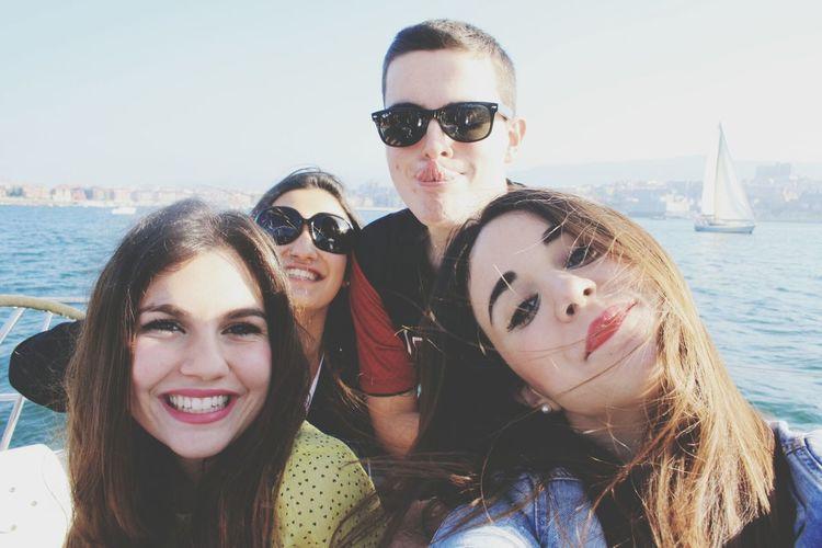 Friends Enjoying Life Jejeypunto