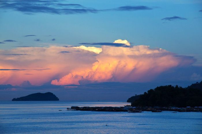 Cloudscape. Horizon Horizon Over Water Clouds Clouds And Sky Cloudscape Nature Nature_collection Nature Photography Tranquil Scene Tranquility Sea Water Outdoors Enjoying The View Natural Light Nature's Design Nature Is Art Simplicity Is Beauty. Light And Shadow Scenics Nature's Beauty