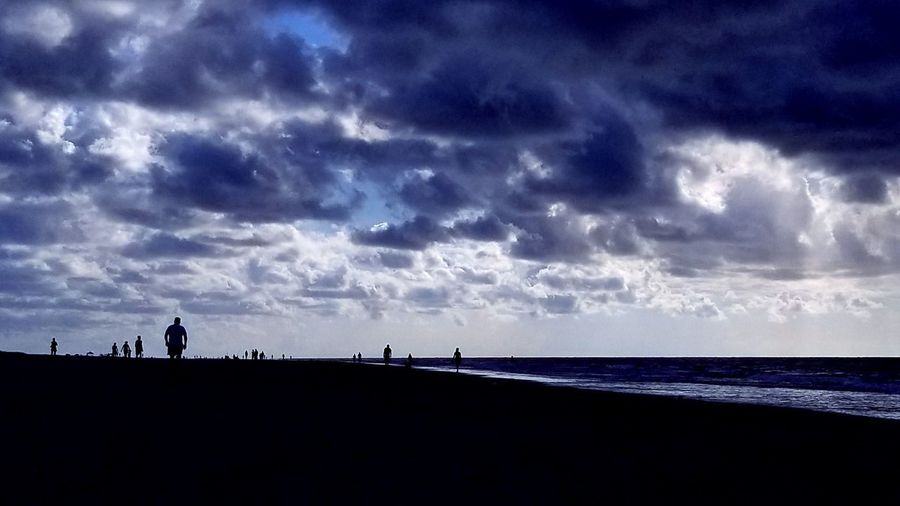 Sky People On The Beach Silhouettes Clouds Backgrounds Hilton Head Island, SC Beach Silhouette Horizon Over Water Cloud - Sky