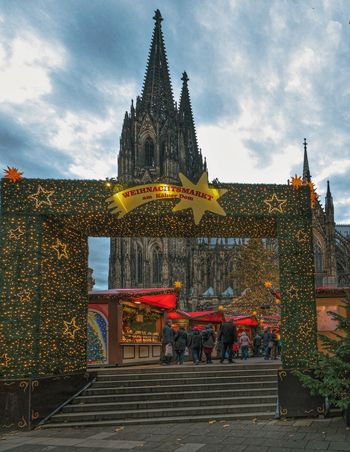 Cologne Cathedral Kölner Dom Köln Christkindlmarkt Germany Xmas Market Christmas Market Cologne Cathedral Xmas Decorations Xmas Decorations Cologne Religion Spirituality Built Structure Cloud - Sky Architecture Real People Outdoors Travel Destinations Large Group Of People People