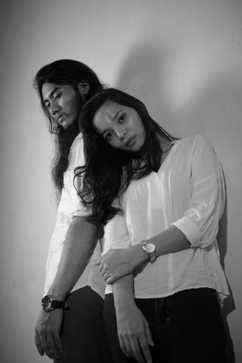 Black And White Blackandwhite Friendship Young Women Smiling Abdomen Portrait Happiness Togetherness Cheerful Standing Women
