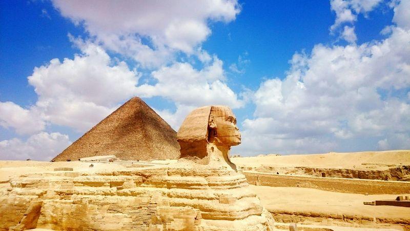 Sphinx Pyramids Of Giza TheGreatPyramids Cairo Giza Egypt Sky Skyporn Beauty Sahara