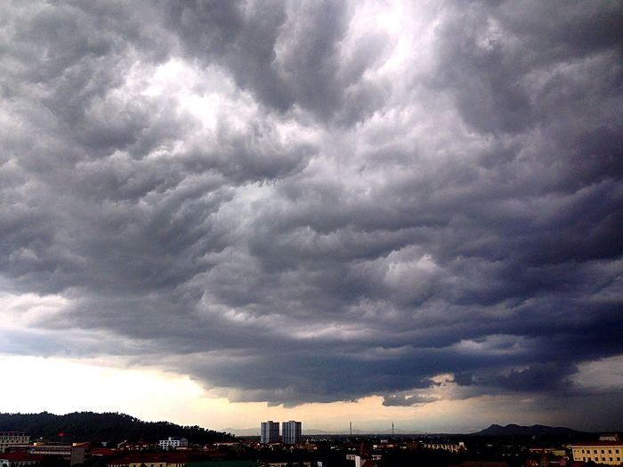 Broken love Sky Topview Clouds And Sky Rain OpenEdit First Eyeem Photo Sad Alone