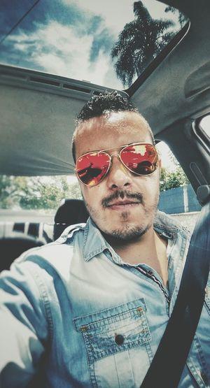 That's Me Enjoying Life Selfie Hi! Be Happy Faces Of EyeEm Glasses Sidewayselfie4life