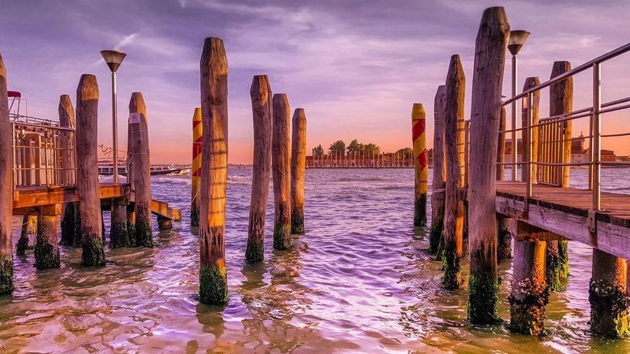 Venice Sea Sky Woodenpost Relaxing Vacation Sun Dock