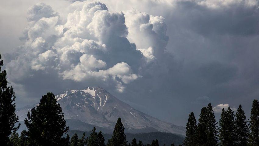 Volcanoes Mt Shasta Clouds Mountain California Northern California