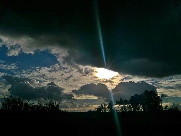 Debaixo de chuva e o sol logo ali... Sol Asportasdosol Portadosol