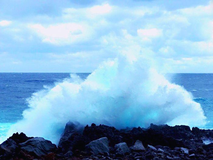 Beatiful View Horizon Over Water Sea Wave Beauty In Nature Sky Water No People Power In Nature Rock Beach Hachijo-island Japan Blue Sea Wave EyeEmNewHere