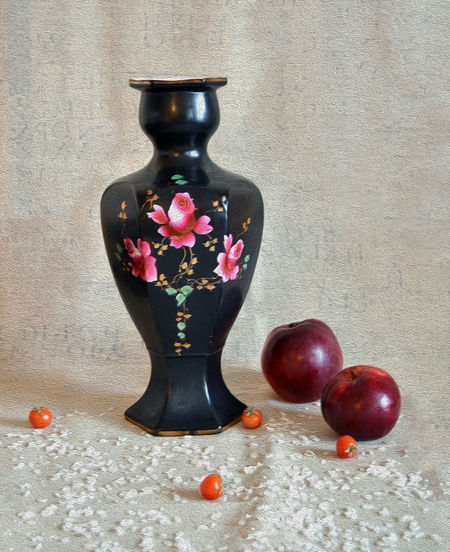 Antique Aples Christmas Vase Antique Vase Chinese Vase Close-up Day Food Freshness Healthy Eating Indoors  No People Painting Photography Picture Red Still Life Wallpaper