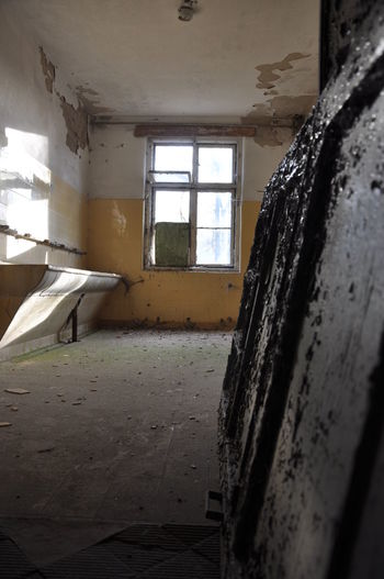 Abandoned Architecture Bad Condition Day Destruction Domestic Room Home Interior House Indoors  No People Obsolete Sunlight Window