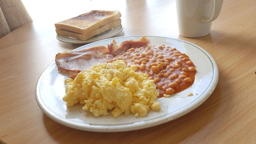 EyeEm Selects Breakfast Food And Drink Food Indoors  Table No People Breakfast Ready-to-eat Close-up Comfort Food Eggs, Beans Baked Beans Scrambled Scrambled Eggs Bacon&egg Bacon❤ English Breakfast Healthy Eating Drink Day Freshness