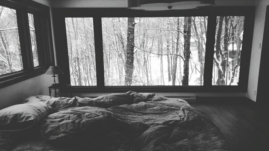I'm misical artist SCADYS. Musica Bedroom Day Black Blackandwhite Blackandwhite Photography Scadys Crumpled Indoors  Home Interior No People Bed Window Tree Face Family Fashion Famous Love Russia America Israel Kazakhstan Germany Finland First Eyeem Photo