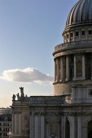 St. paul's cathedral against sky