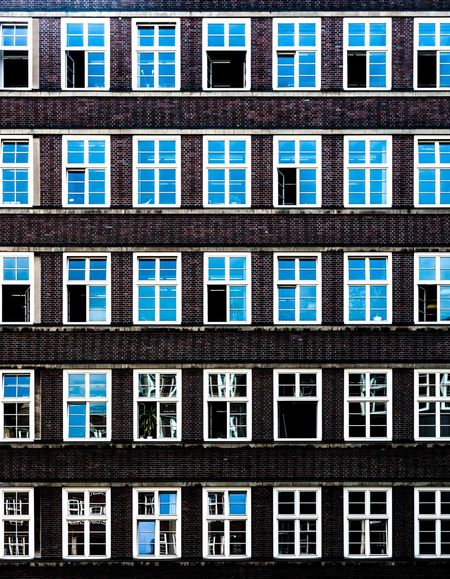 Window section! Minimalism EyeEm Best Shots Windows Urban Geometry Getting Creative Blue Urban Urban Symmetry Check This Out Straight Lines The Architect - 2016 EyeEm Awards Beautifully Organized