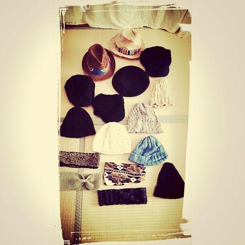 持っている帽子を集めてみた。やはり帽子も黒が多い。d3も全部違う形なんよね。。 帽子 Hat Fasion