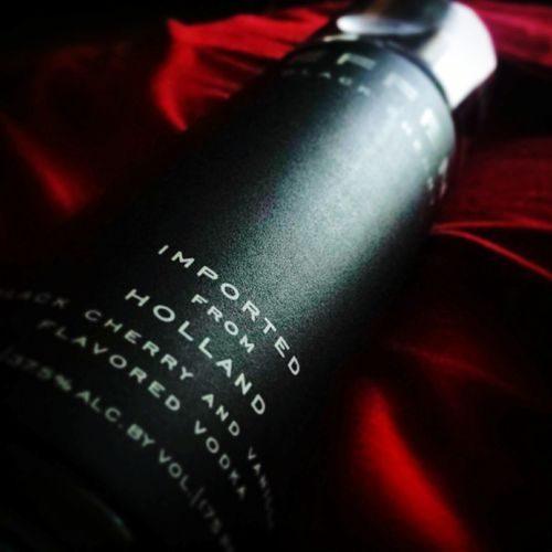 Effen Vodka Seduction Smooth Party Chill Bottle Drank Nightlife Cheers Happiness