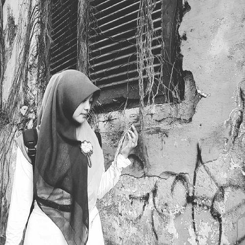 Hayati lelah bang 😂 hihihi 😁😂 Kotatua  Explorejakarta Kotu Akujalanjalan Indotravellers Mainsebentar Hijabers Parapejalan