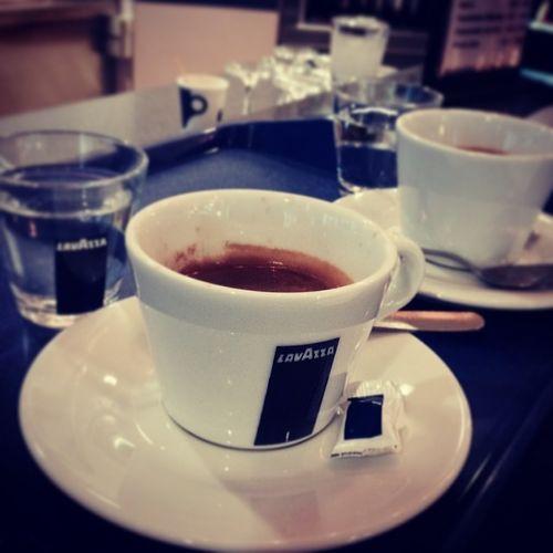 Wachheit tanken. Der doppellte Doppio. Coffee Espresso Kaffee Bruchsal  Forst Lavaza Dopio