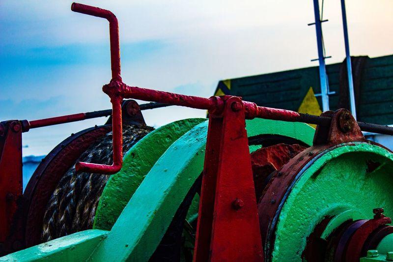 jangkar kapal Water Red Sky Close-up Outdoor Play Equipment Amusement Park Cable-stayed Bridge Carousel Chain Swing Ride Carousel Horses Coney Island Fairground Ride Jungle Gym Ferris Wheel Slide - Play Equipment Monkey Bars Water Park Seesaw Watermill Amusement Park Ride Water Slide Rollercoaster Water Wheel