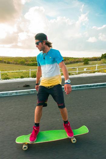 🌅 Longboarding