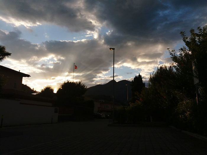 Samsungj5photography📱 Sky Themes Silutette City Silhouette City Tree Sunset Sky Cloud - Sky Dramatic Sky Atmospheric Mood Sky Only Romantic Sky Atmosphere Dramatic Landscape Cloudscape