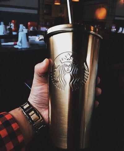 My fav. Tumbler 😁 Starbucks Starbucks Coffee Starbuckstumbler Starbucks ❤ Tumbler Gold Fos