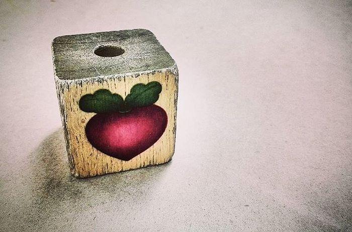 Woodenblock Wood Cube Beet Beetroot Vintage HDR Top10minimal Minimal_mood Minimal_hub Paradiseofminimal 9Minimal7 Mnm_gram Pocket_minimal Ptk_minimal Tv_simplicity Minimalexperience Soulminimalist Minimal_int Jj_toys_indetail Ptk_minimal_red_2 Momswithcameras Mwc_300 Fyp_wbg Wooden_hue_art