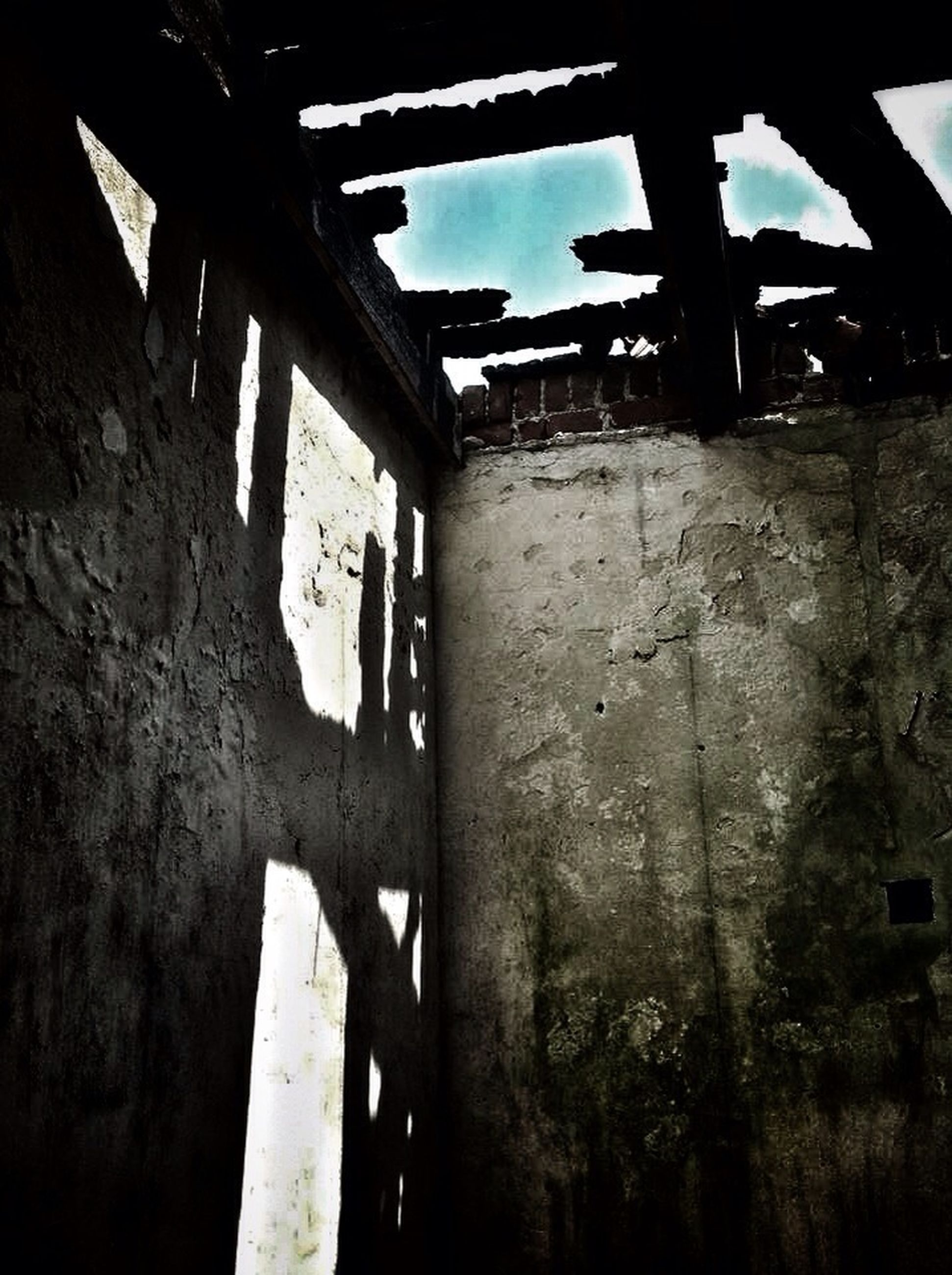 abandoned, obsolete, damaged, run-down, deterioration, old, built structure, weathered, ruined, bad condition, architecture, low angle view, broken, rusty, destruction, sky, no people, metal, sunlight, day
