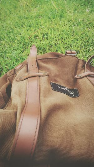 No People Brown Backpack Sunny☀ Day Grassy Nature Bonjour Traveling Outdoors Gear Close-up Green Outgoing