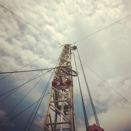 Mast up !!! Work_Over_Rigs Well_No_28 Asansol GEECL_Diaries