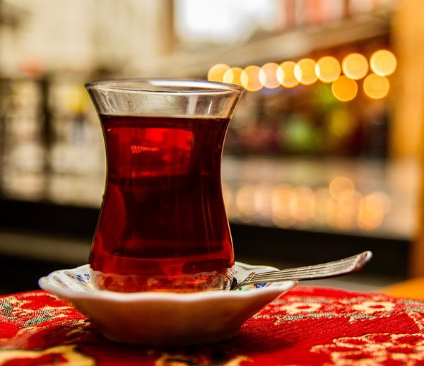 çay Bokeh Tea Food And Drink Red Drink Table Refreshment Close-up Indoors  Healthy Eating Focus On Foreground No People Food Freshness Day Drinking Glass