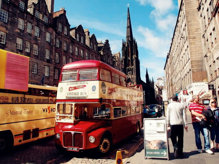 Scotland Scenery Landscape Vintage Coach Bus Street Streetphotography Building Buildingstructure Glasgow  Travel Photography Travel Vacation Besttime Life Enjoy EyeEm Gallery EyeEm