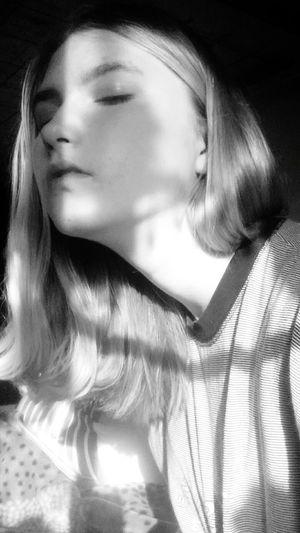 Young Women Beautiful Woman Women Females Beauty Portrait Studio Shot Beautiful People Human Face Long Hair