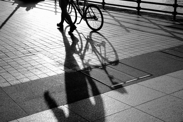 6pm lighting Streetphotography Monochrome B&w Streetphoto_bw Blackandwhite Light And Shadow People Photography