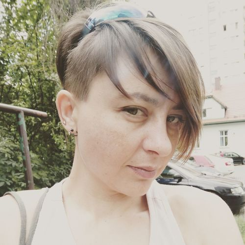 Only Women One Person Portrait Adult Sunny Day Oneplus3T Shorthair Pixiecut Polishwoman