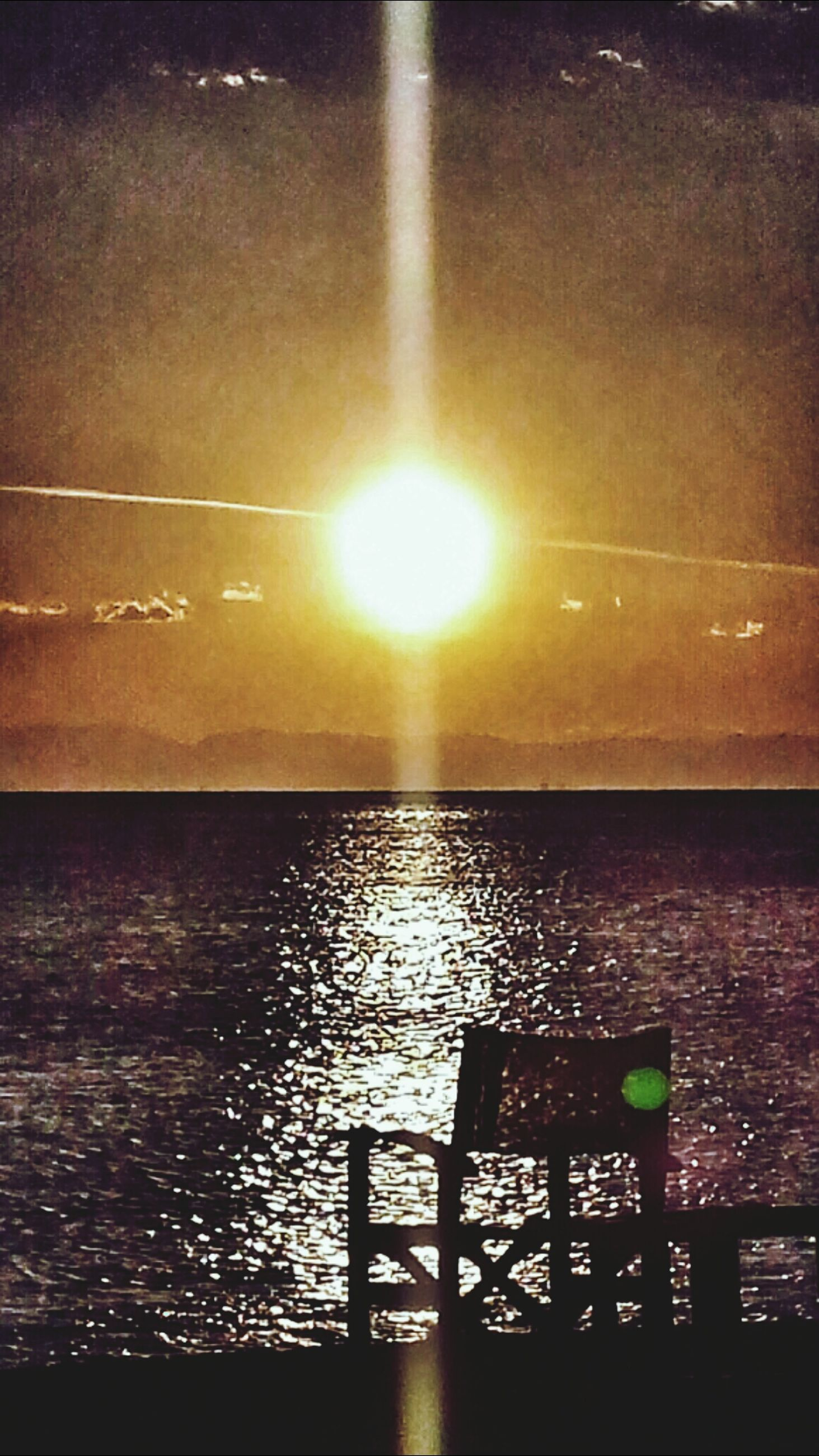 water, sun, sea, sunset, scenics, horizon over water, beauty in nature, tranquility, tranquil scene, sunlight, nature, sky, lens flare, idyllic, reflection, rippled, sunbeam, silhouette, outdoors, railing