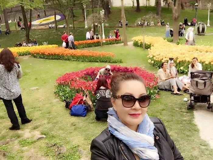 Enjoying Life Flowerbed Gulhaneparki Istanbul Landscape Lizara ❤️ Multi Colored Traveling