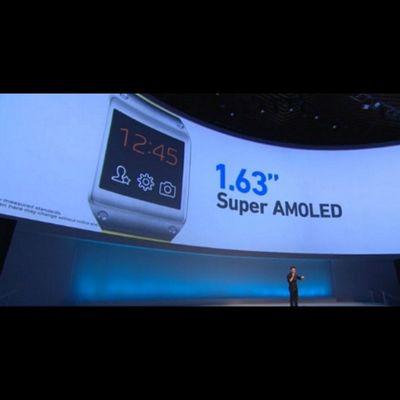 Se presenta oficialmente el Galaxygear el reloj complemento para el Galaxynote 3 Samsung
