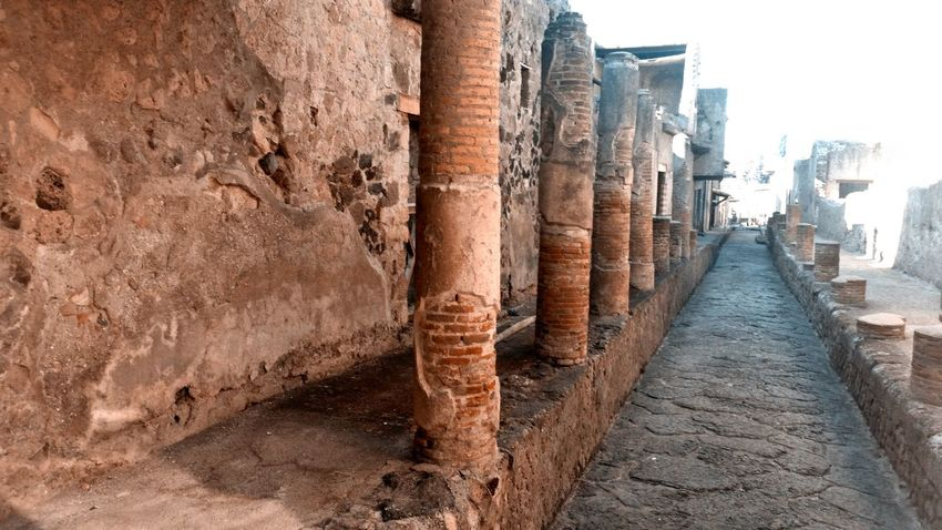 Eye Em Around The World Pompei Scavi Pompei. Archeologia Teal And Orange Ancient Ancient Civilization Architecture Columns Day In A Row Nature No People Outdoors Ruderi Sky My Best Travel Photo