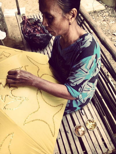 Sewing By Hand Handcraft Handmade Heritage wedding umbrella...the art of aceh heritage