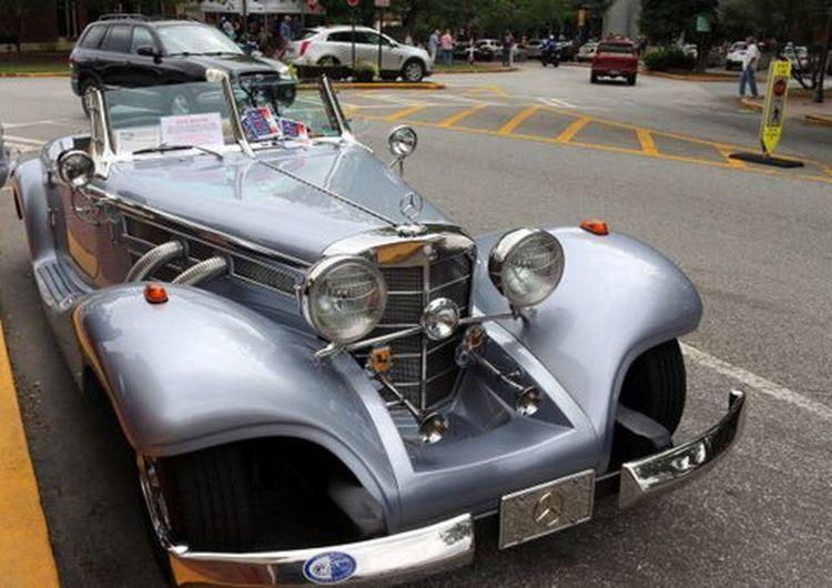 Classic Car Mercedes 1936 rare car Rare Car Multimillion Dollar Car Beauty On The Street