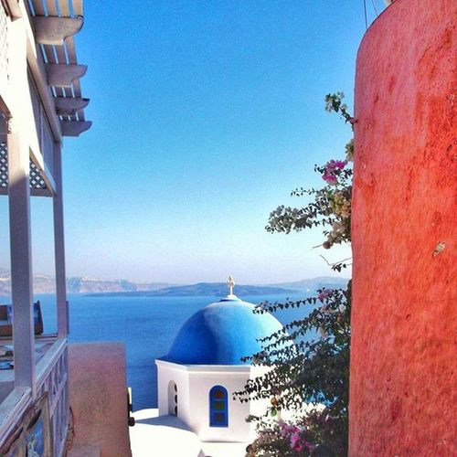 OIA SECRETS. LIKE A PICTURE Oiasunset Oia Oiavillage Santorini Santoriniisland Pictureoftheday Pictures PicturePerfect Picture_to_keep Church Cyclades Cyclades_islands View Viewofsantorini Caldera Pictures Greece2015 Welcometosantorini Greeklovers Greeklover_gr Greekchurch