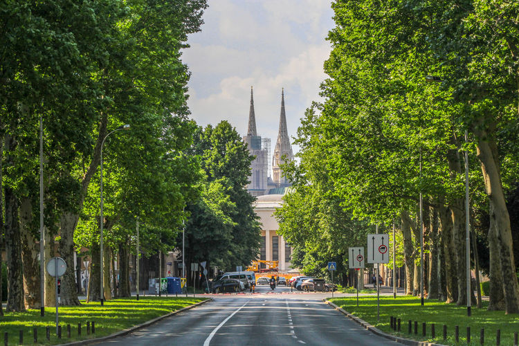 empty street Cathedral Zagreb Zagreb, Croatia City Streets  City View  Croatia🇵🇾 Croatian_photography Croatia Croatia ❤ Croatia ♡ Croatiafulloflife City Tree Cityscape Road Street Business Finance And Industry Architecture Sky vanishing point Empty Road Asphalt