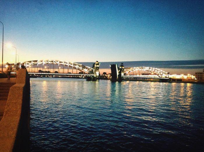 Идеальное сочетание белой ночи и моста Петра Whitenight Peter The Great Bridge SP