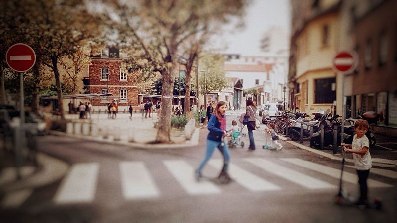 Battle Of The Cities After School Paris Montreuil  Kids Playing In The Street Building Exterior City Street Selective Focus City Life IPhoneography Snapseed Editing  The Street Photographer - 2017 EyeEm Awards