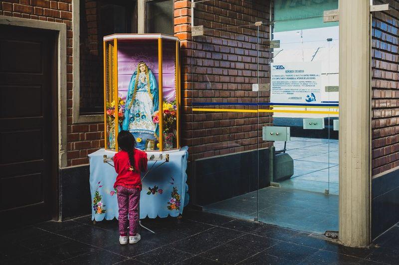 Train station Kid Praying Girl