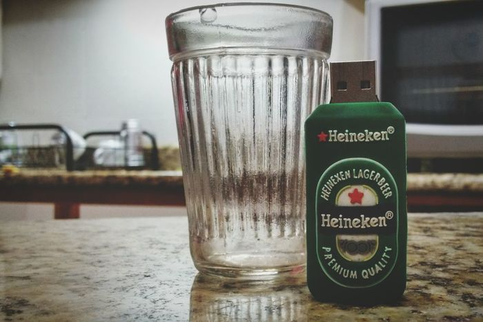Pendrive Drink Beer Heineken Invasaocriativa Criative